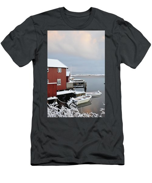 Boathouses Men's T-Shirt (Athletic Fit)