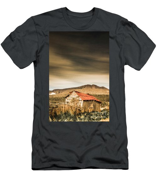 Regional Ranch Ruins Men's T-Shirt (Athletic Fit)