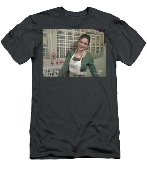 Renee Painting A Mural Men's T-Shirt (Athletic Fit)