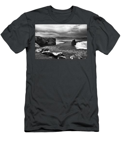 Reynisfjara Men's T-Shirt (Athletic Fit)