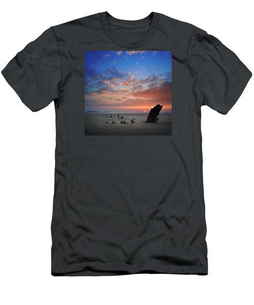 Rhosili 3 Men's T-Shirt (Athletic Fit)