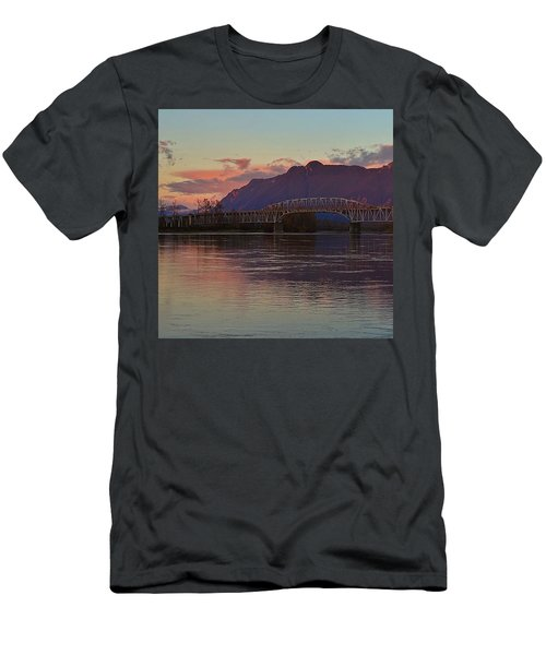 Fraser River, British Columbia Men's T-Shirt (Athletic Fit)