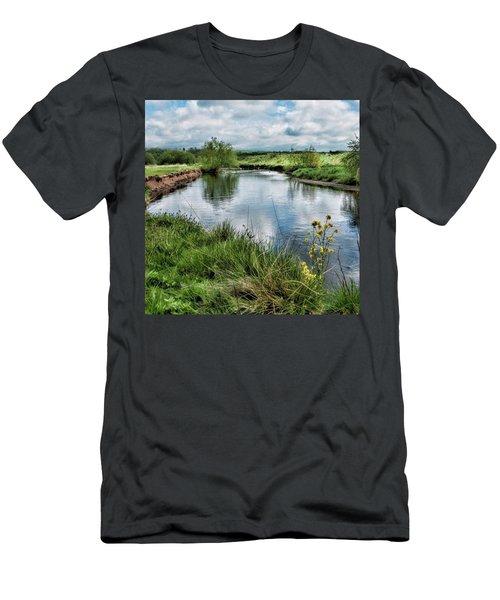 River Tame, Rspb Middleton, North Men's T-Shirt (Athletic Fit)