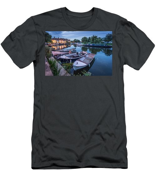 Riverside By Night Men's T-Shirt (Athletic Fit)