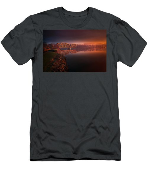 Rochester Train Bridge  Men's T-Shirt (Athletic Fit)