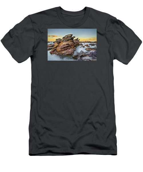 Rocks And Sea Men's T-Shirt (Athletic Fit)