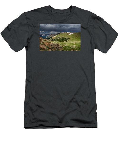 Rocky Mountain Strorm Men's T-Shirt (Slim Fit)