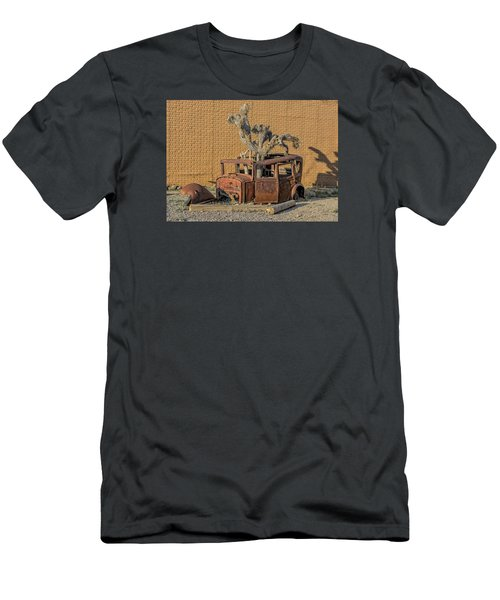 Rusty In The Desert Men's T-Shirt (Athletic Fit)
