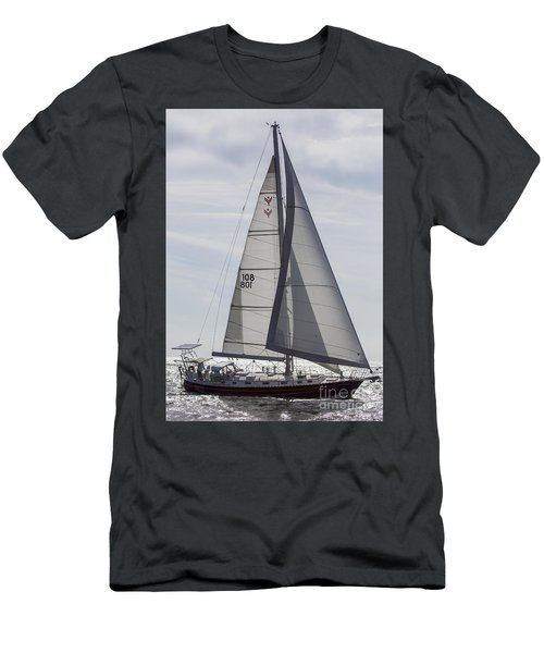 Saling Yacht Valkyrie Charleston Sc Men's T-Shirt (Athletic Fit)