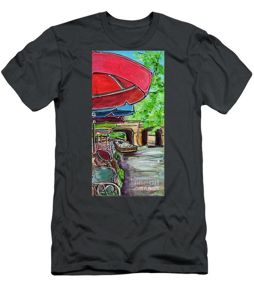 San Antonio River Walk Cafe Men's T-Shirt (Athletic Fit)