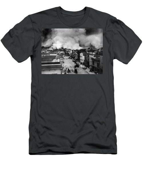 San Francisco Earthquake Aftermath - 1906 Men's T-Shirt (Athletic Fit)