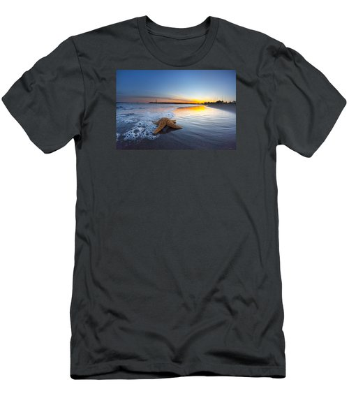 Santa Cruz Starfish Men's T-Shirt (Athletic Fit)