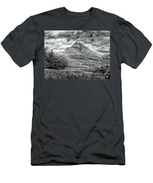 Scafell Pike In Greyscale Men's T-Shirt (Athletic Fit)