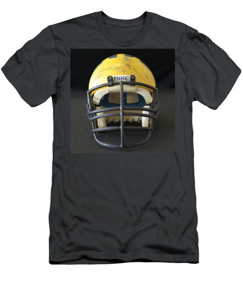 Scarred 1980s Wolverine Helmet Men's T-Shirt (Athletic Fit)