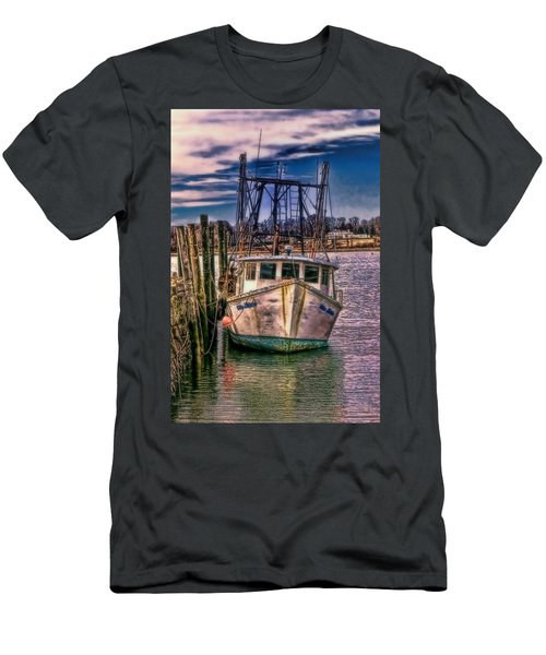 Seaworthy II Bristol Rhode Island Men's T-Shirt (Athletic Fit)
