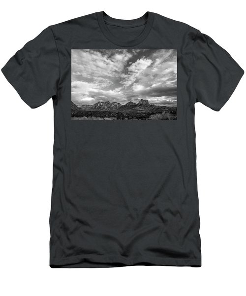 Sedona Red Rock Country Bnw Arizona Landscape 0986 Men's T-Shirt (Slim Fit) by David Haskett