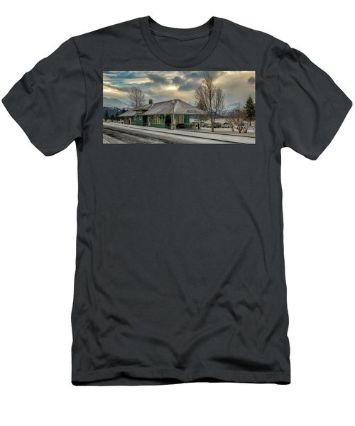 Seward Alaska 2017 Men's T-Shirt (Athletic Fit)