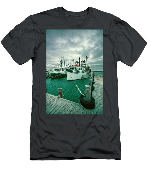 Shinnecock Fishing Vessels Men's T-Shirt (Athletic Fit)