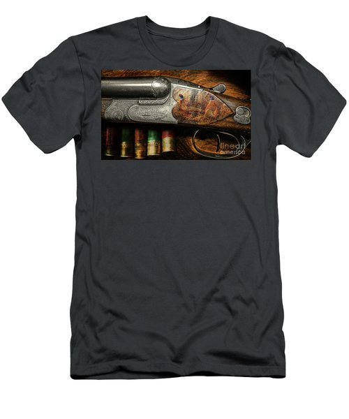 Shotgun  Men's T-Shirt (Athletic Fit)
