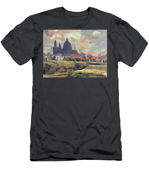 Silhouet Saint Lambertus Church Maastricht Men's T-Shirt (Athletic Fit)