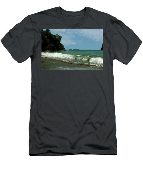 Simple Costa Rica Beach Men's T-Shirt (Athletic Fit)