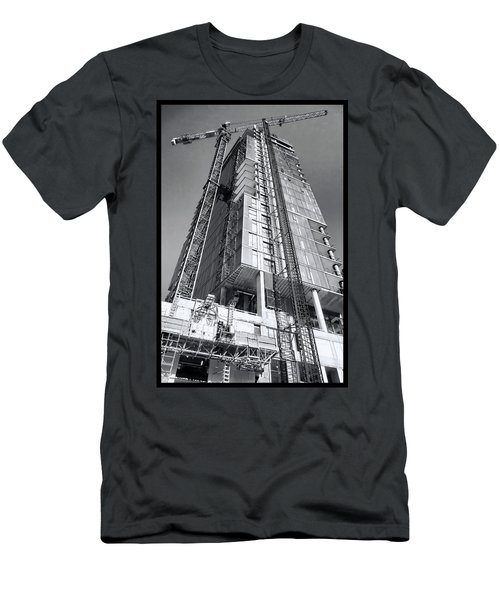 Skyscraper Construction - Chicago Men's T-Shirt (Athletic Fit)