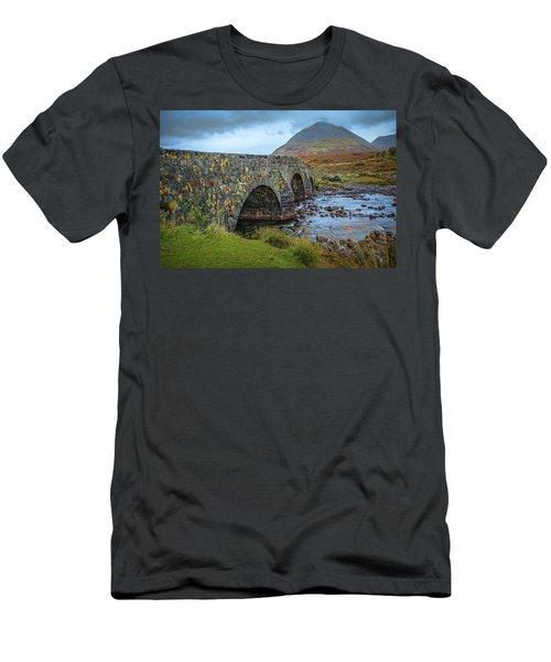 Sligachan Bridge View #h4 Men's T-Shirt (Athletic Fit)