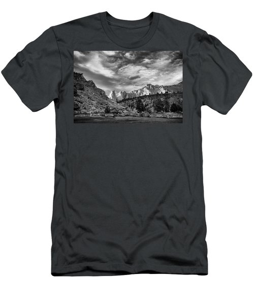 Smith Rock Bw Men's T-Shirt (Athletic Fit)