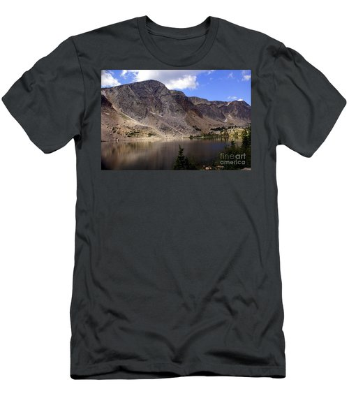 Snowy Mountian Loop 8 Men's T-Shirt (Athletic Fit)
