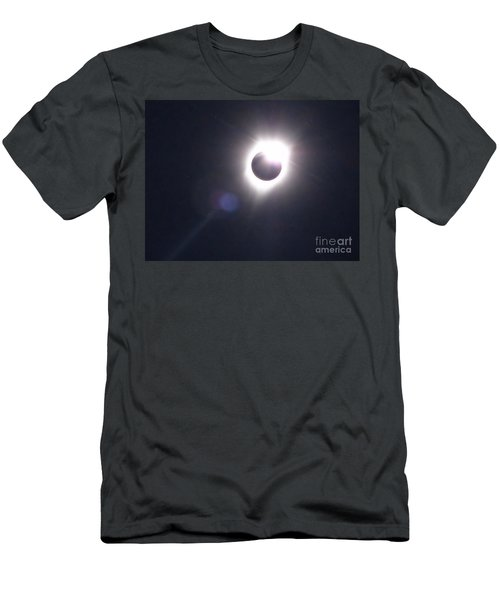 Solar Eclipse 2017 Lens Flare Men's T-Shirt (Athletic Fit)