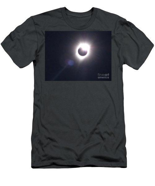 Solar Eclipse 2017 Lens Flare Men's T-Shirt (Athletic Fit)