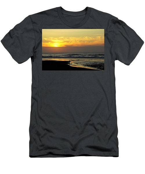 Solo Sunset On The Beach Men's T-Shirt (Athletic Fit)