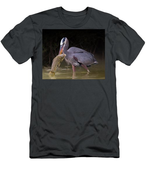 Spear Fisher Men's T-Shirt (Athletic Fit)