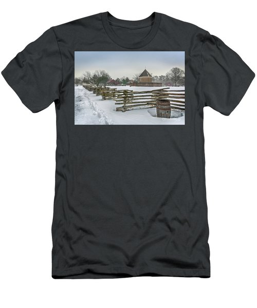 Split Rail Fence In Front Of Colonial Williamsburg Magazine Men's T-Shirt (Athletic Fit)