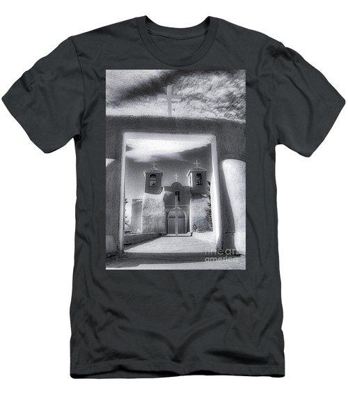 St. Francisco De Asis Men's T-Shirt (Athletic Fit)