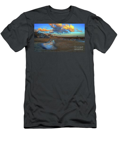 St Ives Clouds And Beach Men's T-Shirt (Athletic Fit)