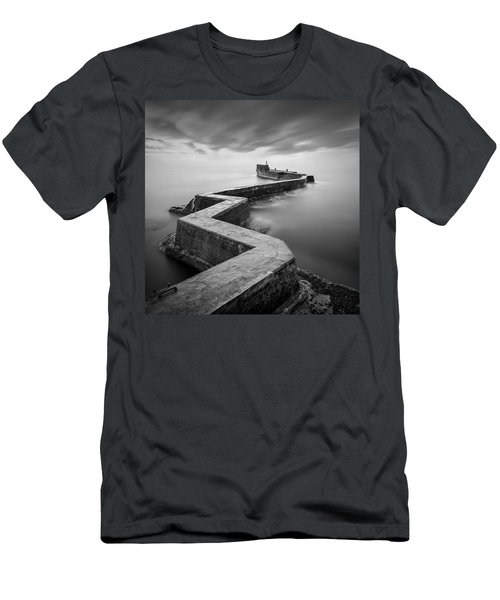 St Monans Breakwater Men's T-Shirt (Athletic Fit)