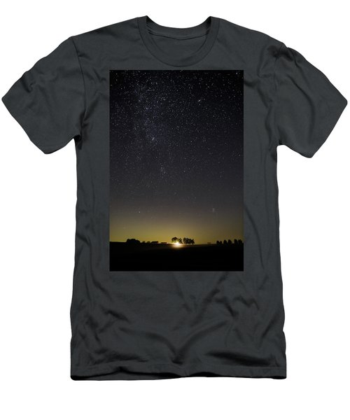 Starry Sky Over Virginia Farm Men's T-Shirt (Athletic Fit)