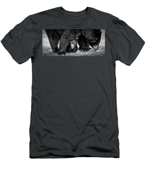 Staying Close-bw Men's T-Shirt (Athletic Fit)