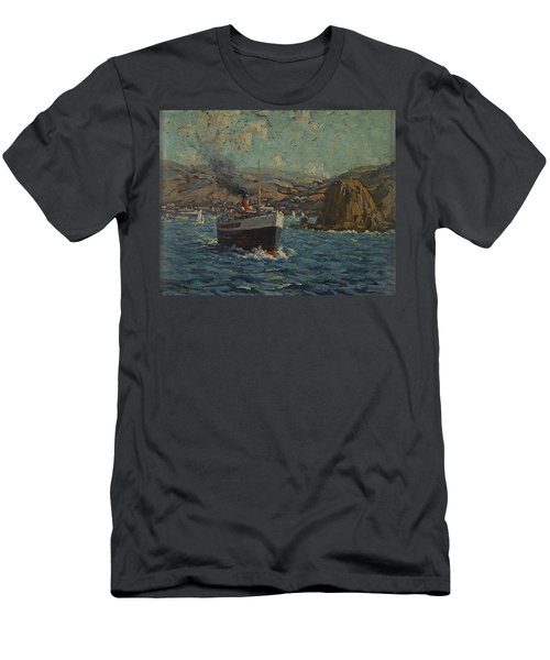 Steamer Leaving Avalon. Catalina Island Men's T-Shirt (Athletic Fit)