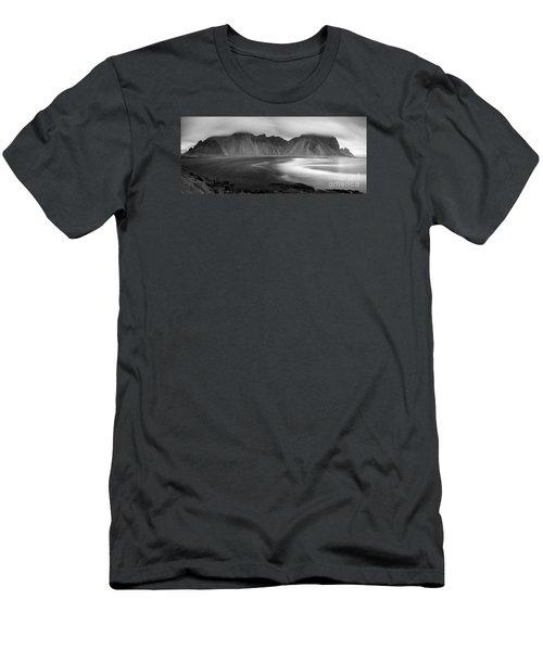 Stokksnes Iceland Bandw Men's T-Shirt (Athletic Fit)