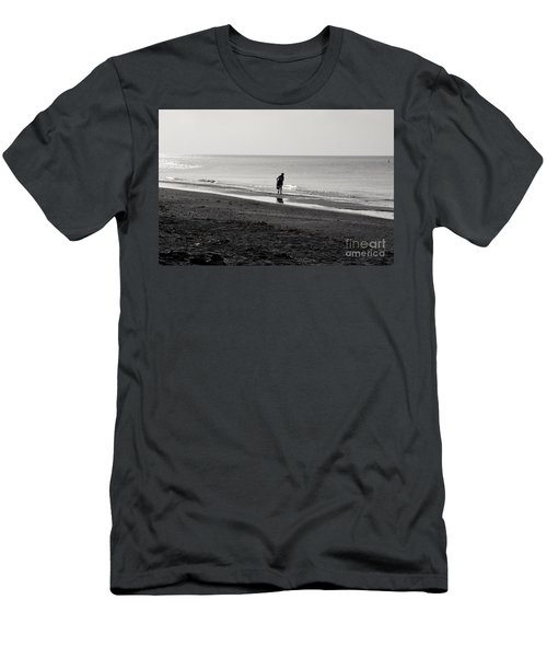 Stooping Men's T-Shirt (Athletic Fit)