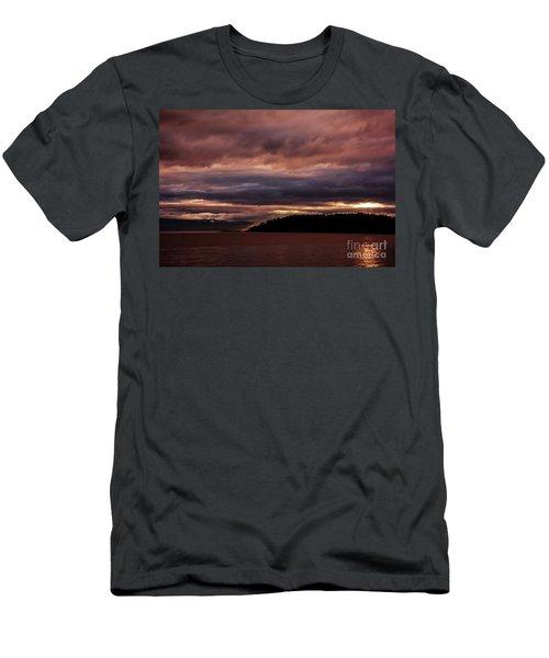 Storm 3 Men's T-Shirt (Athletic Fit)