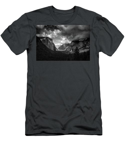 Storm Arrives In The Yosemite Valley Men's T-Shirt (Athletic Fit)