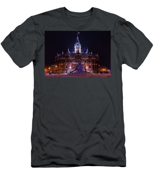 Stratford City Hall Christmas Men's T-Shirt (Athletic Fit)