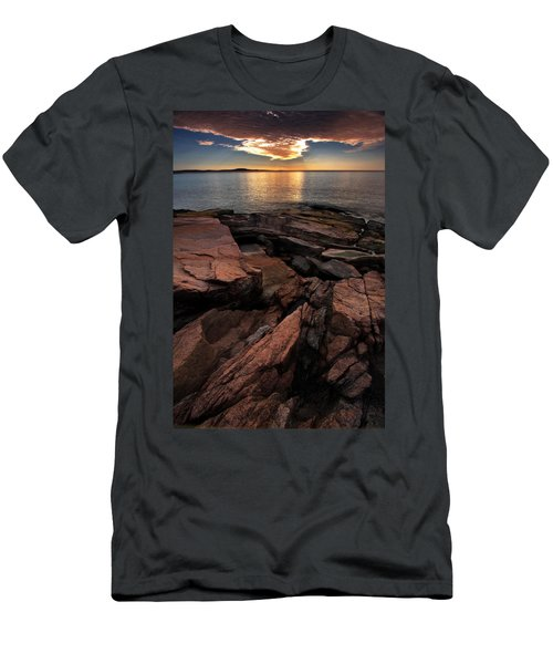 Stratus Eclipse Men's T-Shirt (Athletic Fit)