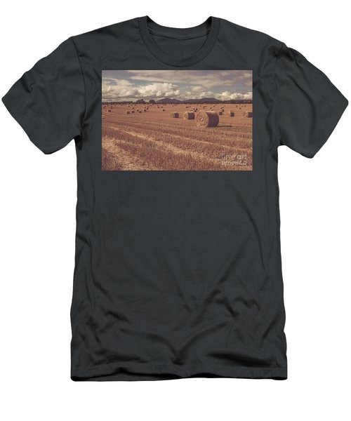 Straw Bales In A Field 4 Men's T-Shirt (Athletic Fit)