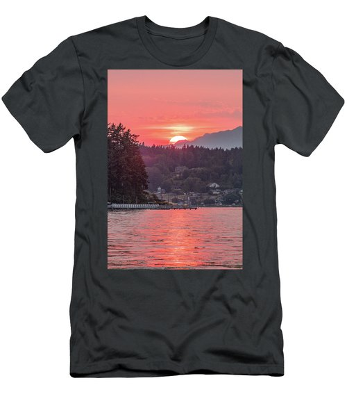 Summer Sunset Over Yukon Harbor.3 Men's T-Shirt (Athletic Fit)