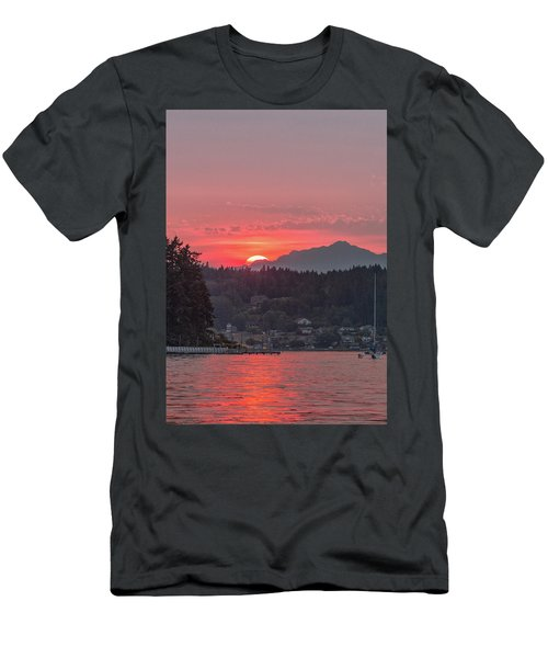 Summer Sunset Over Yukon Harbor.4 Men's T-Shirt (Athletic Fit)