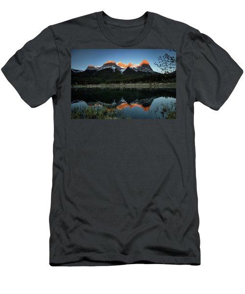 Sun Peaks Men's T-Shirt (Athletic Fit)